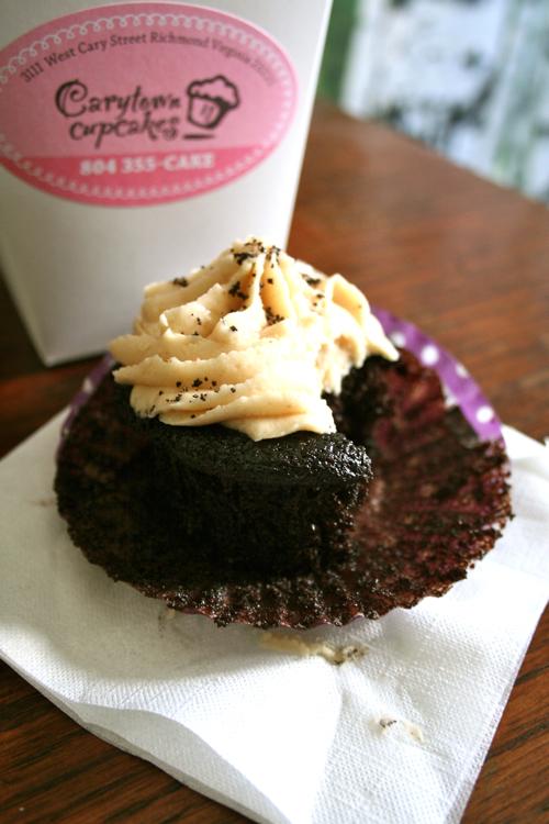feliciasheltonphotography-carrytown-cupcakes