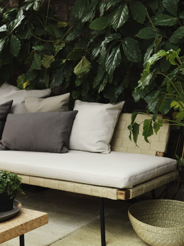 IKEA_SINNERLIG_aug15_daybed-700x934